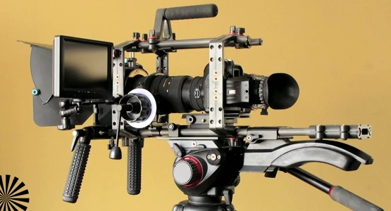 Watch this HDSLR rig assemble itself