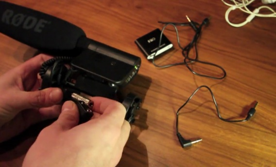 Monitor Audio from an external mic on your DSLR