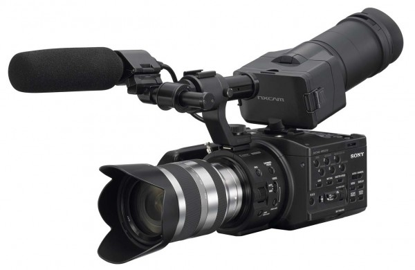 Sony NEX-FS100 NXCAM Super 35mm gets official, first footage and review