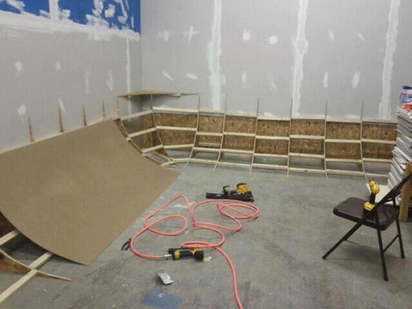 DVTV: How to Build a Cyclorama/Cyc Wall/Infinity Curve
